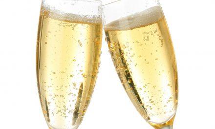 El servicio de espumosos desde el Gueridón Champagnes, Cavas, Cuevas y otros…
